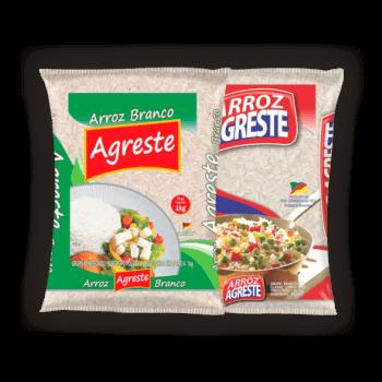 Imagens de três pacotes de 5ks do arroz branco e parboilizado da marca Agreste