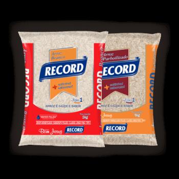 Imagens de três pacotes de 5ks do arroz branco e parboilizado da marca Record